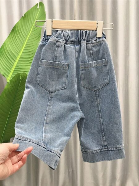 Vintage Style Loose Cropped Jeans 2