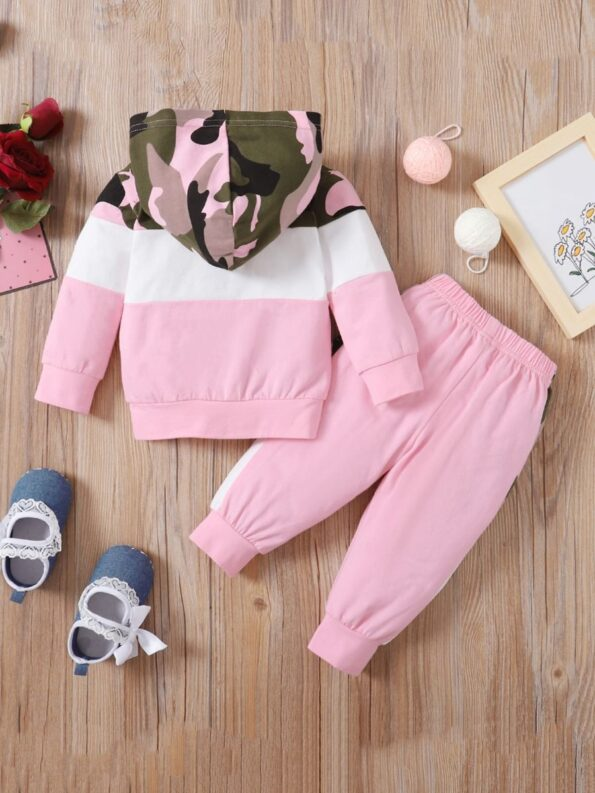 Two Pieces Little Print Camo Girl Tracksuit Set Hoodie And Jogger  Wholesale 8