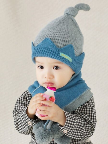 2 Pieces Set Kid Crown Beanie And Pom Pom Scarf Wholesale Hats ACCESSORIES Unisex